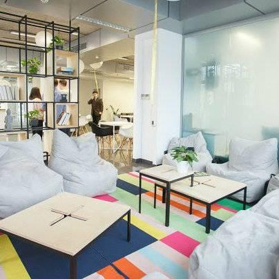 В Киеве открыли креативное пространство с залом для йоги и медитаций