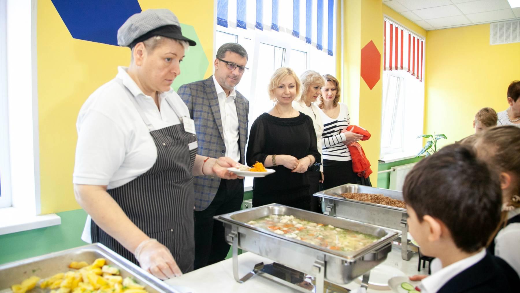 еда в школе киев