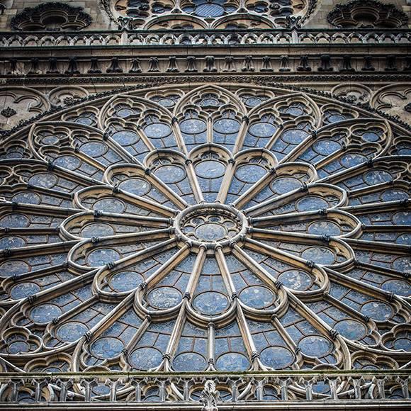 собор парижской богоматери, нотр-дам-де-пари, пожар, сгорел собор